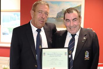 Antrim GC honours leading one-armed golfer